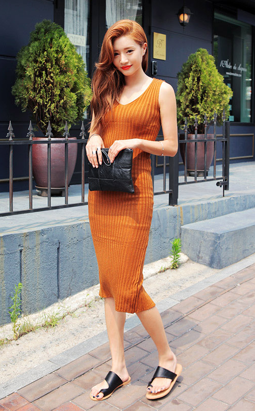 Ribbed Slim V-Neck Dress