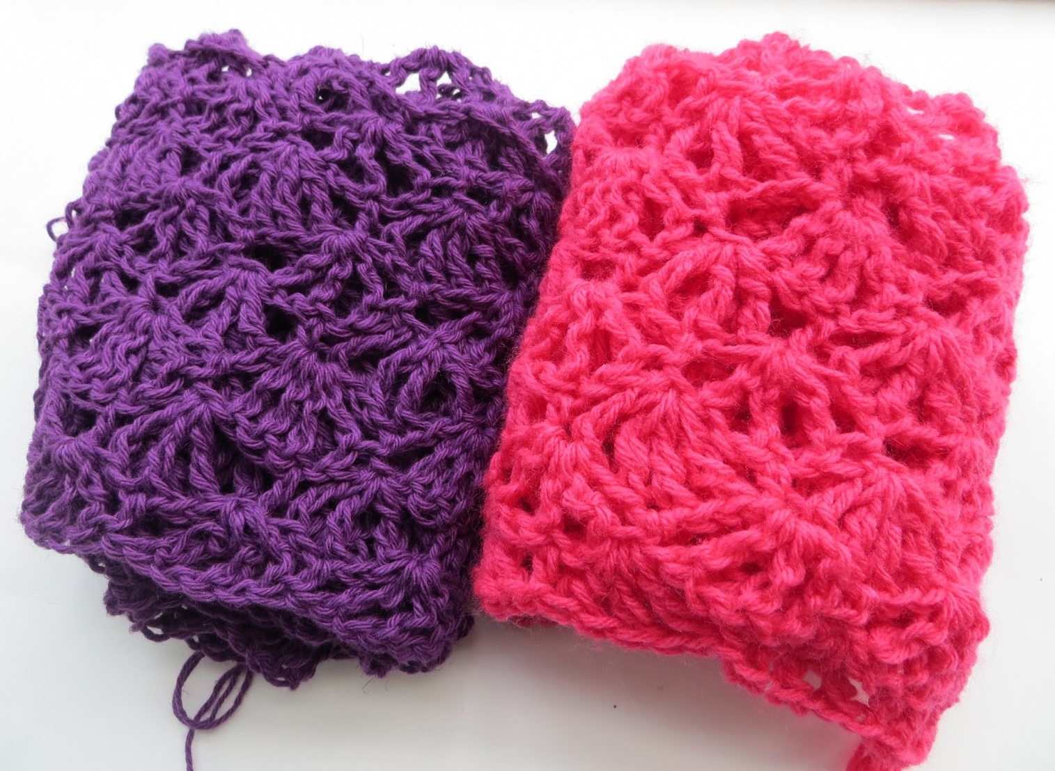 Crocheting Videos : Crocheting Projects Alana lacy scarf, free crochet
