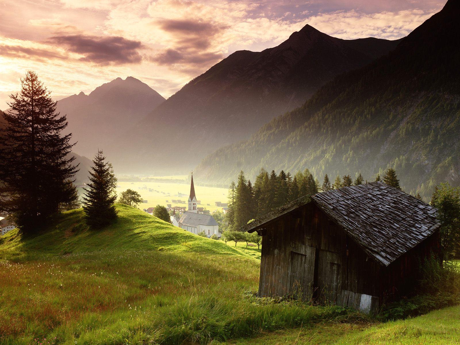 http://2.bp.blogspot.com/-Ja88ByFsiR4/TcEv2vKQp3I/AAAAAAAAAUE/01fX6GmBoD8/s1600/Misty-Mountain-Village-Tyrol-Austria-1-1600x1200.jpg