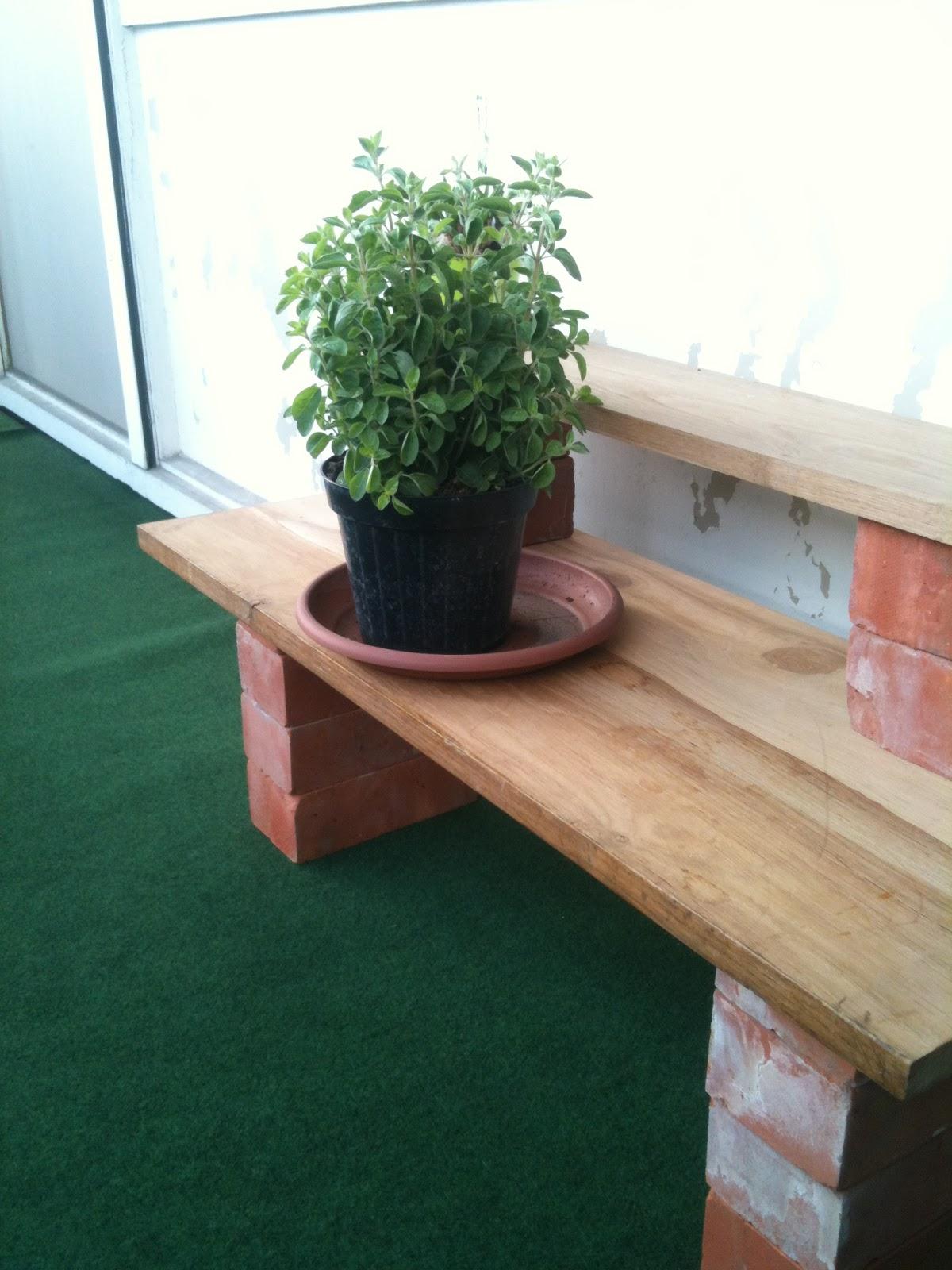 mon potager suspendu 14 une petite sortie sur la terrasse. Black Bedroom Furniture Sets. Home Design Ideas