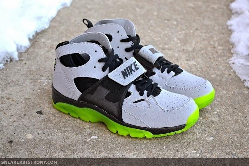 info for f728c 927b0 KICKS   Nike Air Trainer Huarache PRM QS