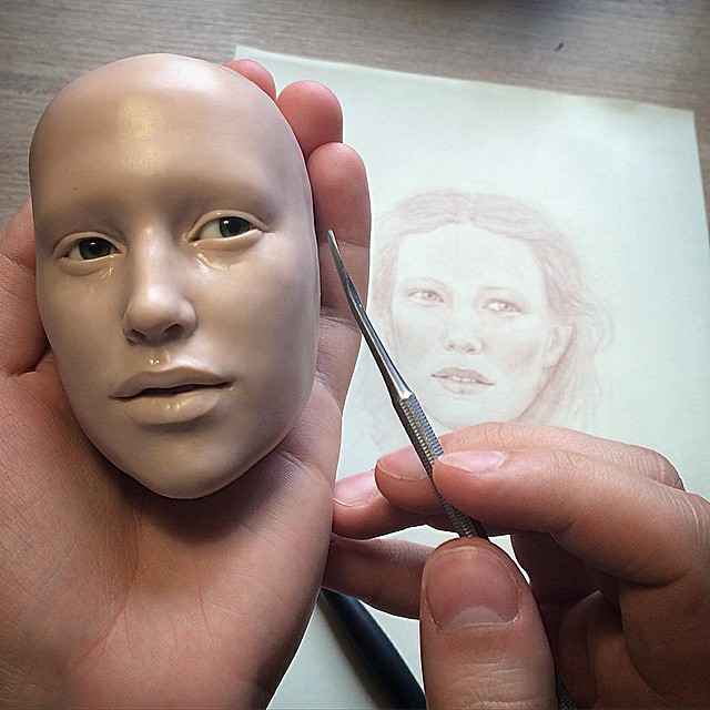 02-Michael-Zajkov-Reduced-in-Size Realistic-Doll-Sculptures-www-designstack-co