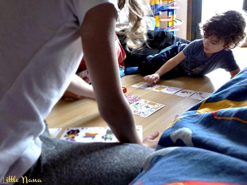 Jugar en familia cartas djeco