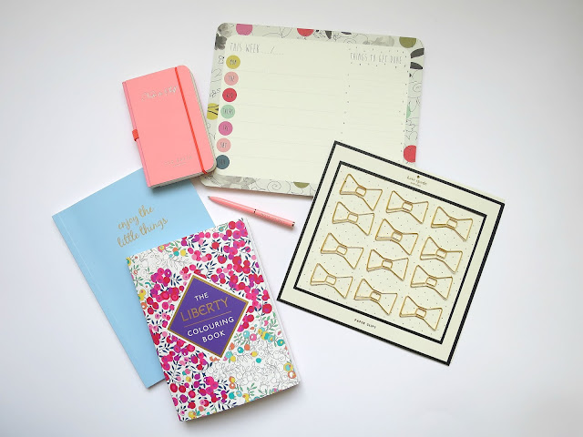 Valentines Day Gifts Guide For Her Girl Wife Girlfriend Friend Stationery Flatlay