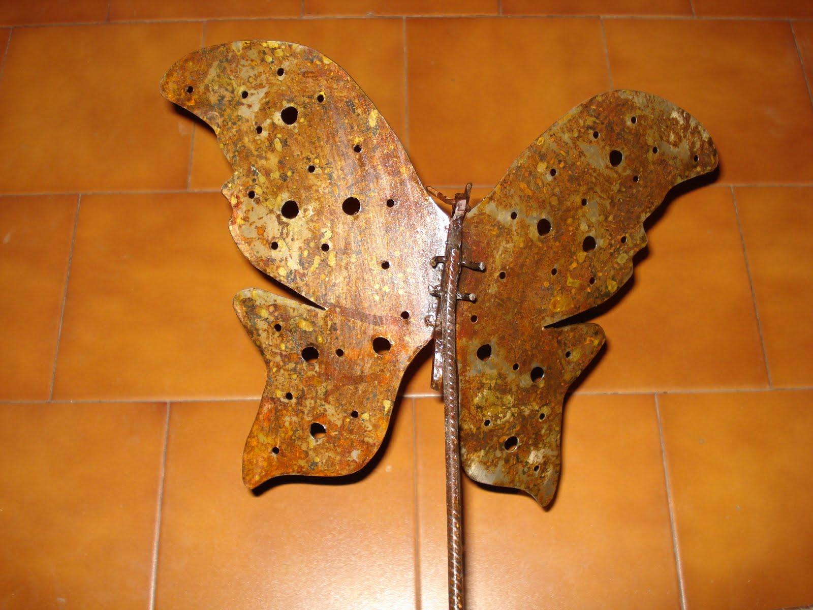 Hefesto mariposa en chapa de hierro oxidado - Chapa de hierro ...