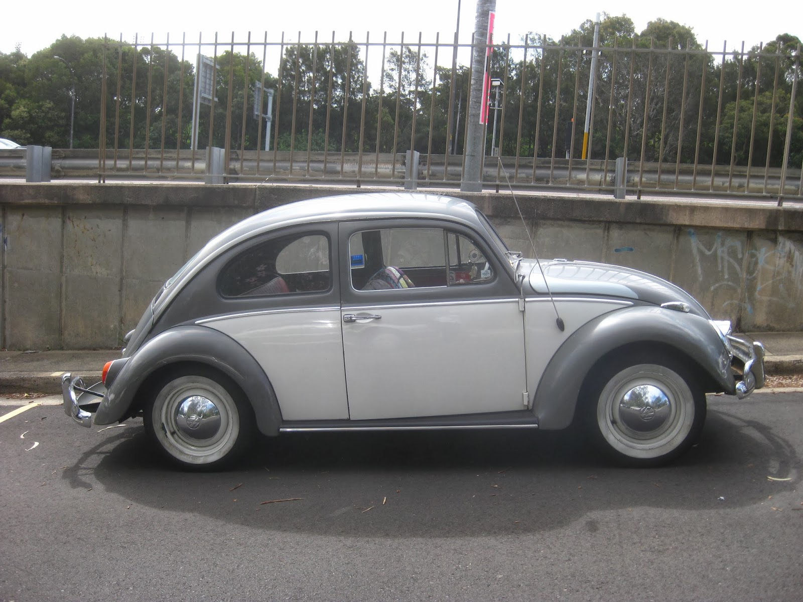 Aussie Old Parked Cars 1963 Volkswagen Beetle