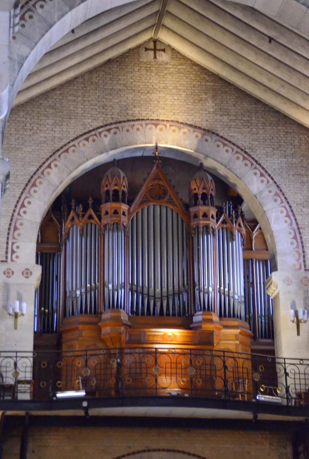 paris and beyond glise saint antoine des quinze vingts l 39 orgue. Black Bedroom Furniture Sets. Home Design Ideas