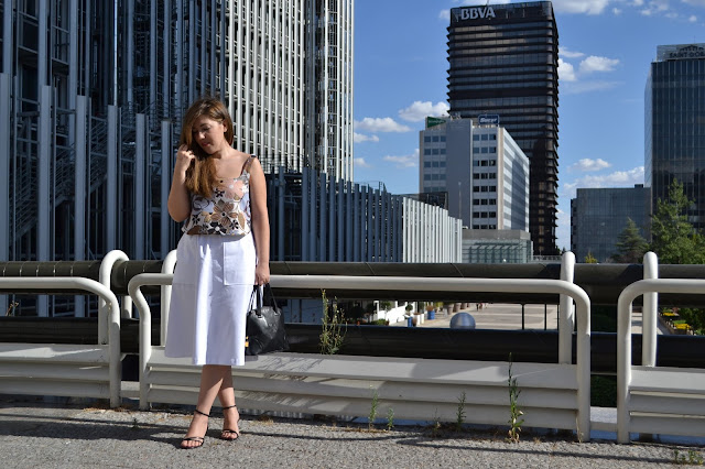 Look Textures Esencia Trendy Asesora de Imagen Estilista Outfit luxe dresses Zara Loewe YSL blogger fashionjob