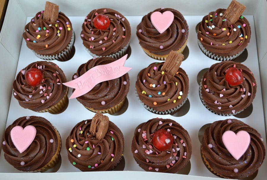 Little Paper Cakes: Chocolate Happy Birthday 12 Cupcake Gift Box