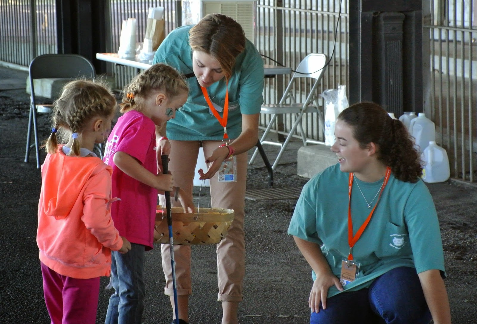 Montgomery Catholic Key Club Members Volunteer at 3rd Annual HALO Make a Memory Event 1