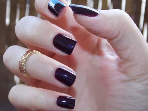 black plum estée lauder swatch, black plum swatch, black plum flash, black plum polish swatch