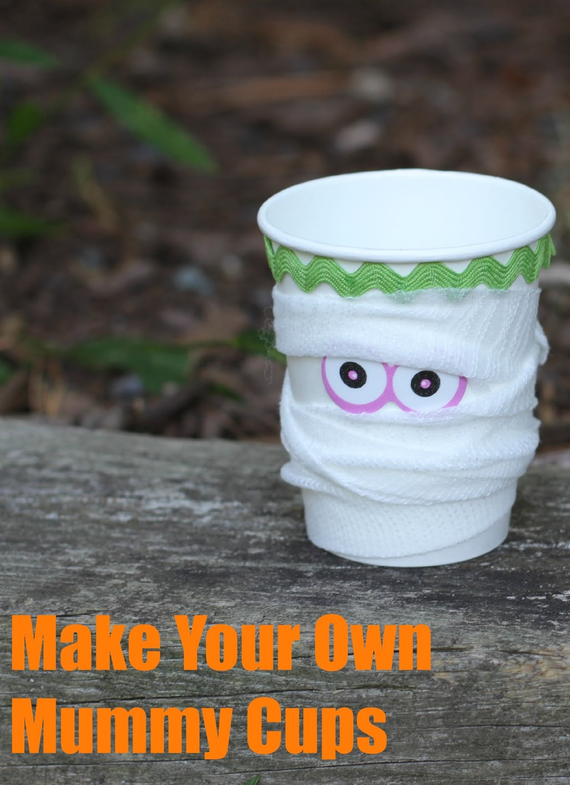 5 halloween crafts for kids easy projects to make with kids 5 halloween crafts for kids jeuxipadfo Image collections