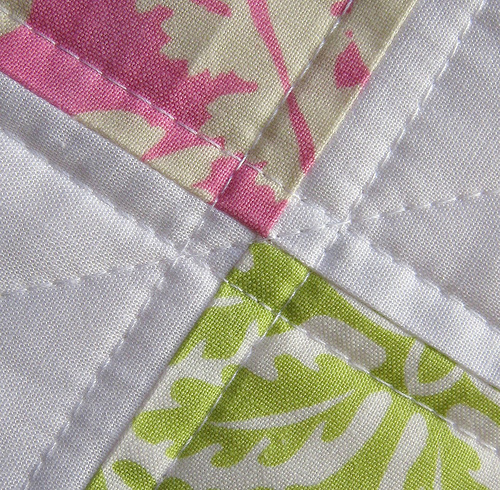 Red Pepper Quilts: Quilting Details : cross hatch quilting - Adamdwight.com