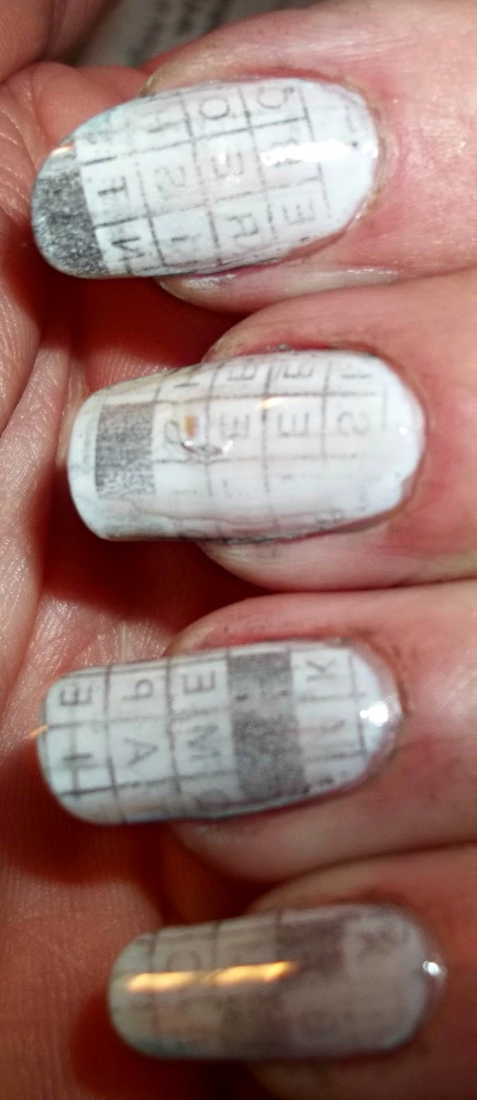 NailsnBling: Newspaper Nails