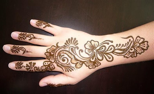 Beautiful Simple Mehndi Henna Design