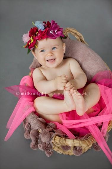 sesja zdjęciowa niemowląt, fotografia nowordkowa, zdjęcia niemowlaków, sesje fotograficzne niemowlęce, profesjonalne studio foto poznań