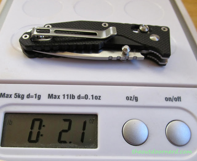 SanRenMu GB-763 Pocket Knife - On Scale