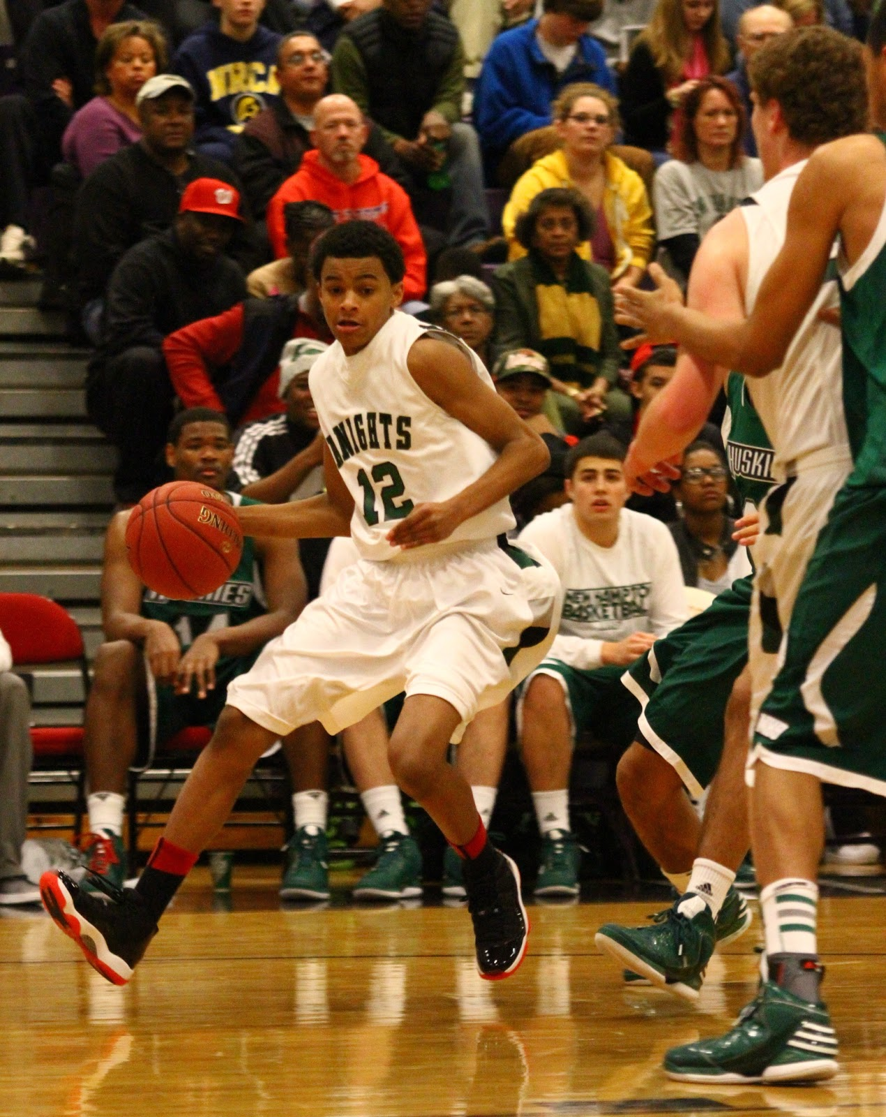 2016 Basketball Prospect: PG Jalen Harris | A Sea of Red