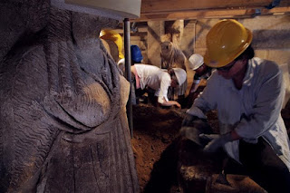Ομιλία Περιστέρη: Μονόγραμμα Ηφαιστίωνα στον τάφο της Αμφίπολης