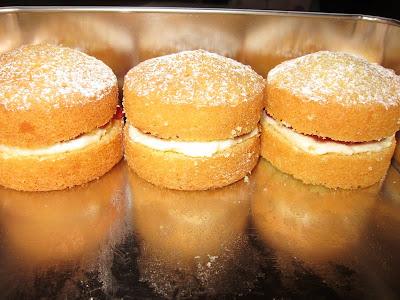 Munchies - Mini Victoria Sponge cakes