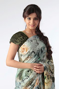 Gorgeous Samantha ruth prabhu latest awesome looking photo shoot in saree-thumbnail-6