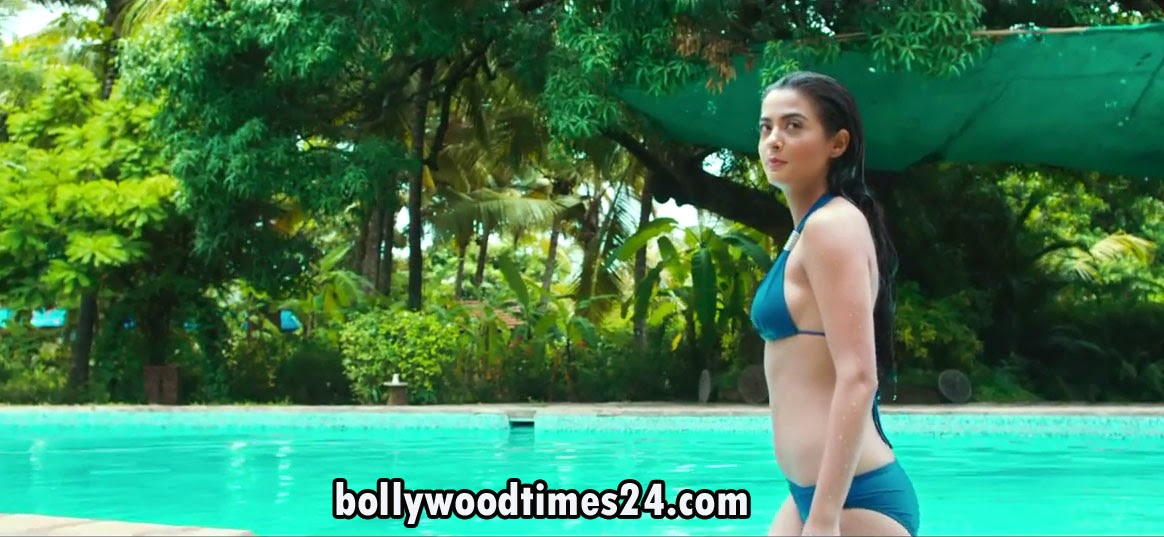 Surveen Chawla Hot Photo Wellpaper in Hate Story 2 Hindi Movie 2014 in Water