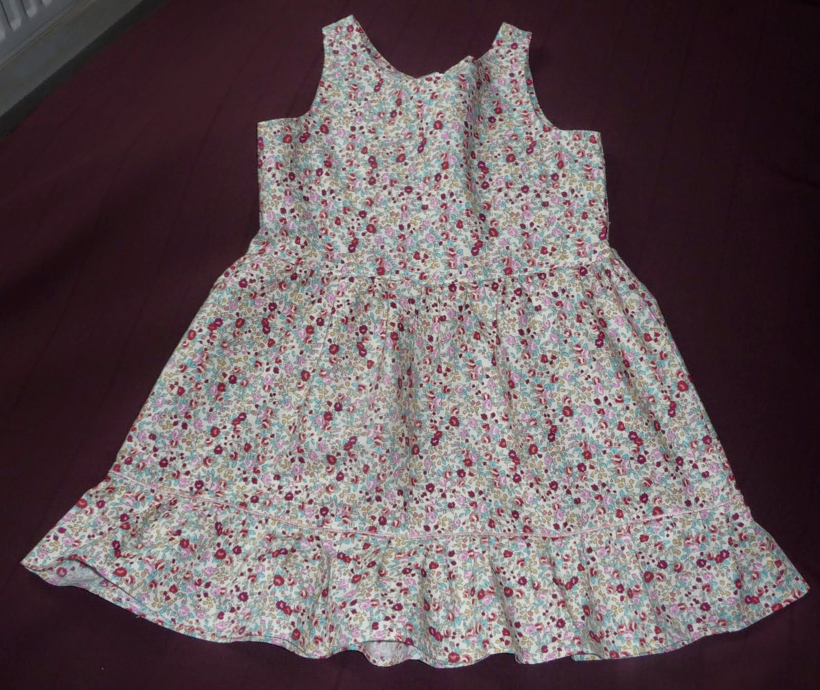 Couture loisir robe liberty en 4 ans for Couture a 4 ans