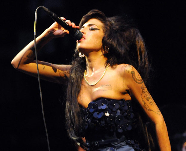 photographingthedead: ... Amy Winehouse Death