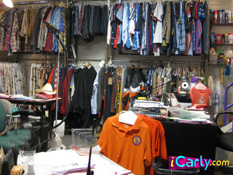 This wardrobe room was used for All That  The Amanda Show  Kenan   Kel   Drake   Josh  iCarly  and Victorious. NickALive   Behind The Scenes Photographs Of Nickelodeon On Sunset