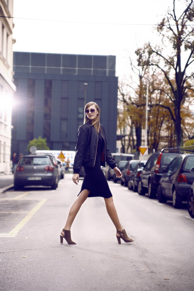 black midi skirt, black bomber jacket, peep toe boots, nude heels, all black outfit, blogger, uroš kramberger photography