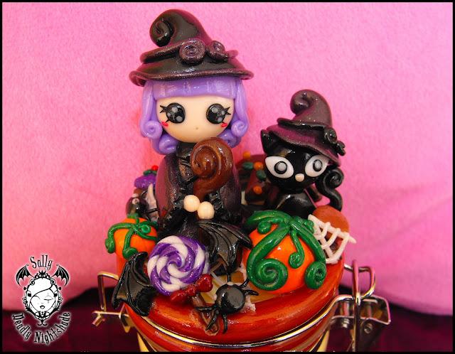 Decorazione strega e gatto nero su barattolo