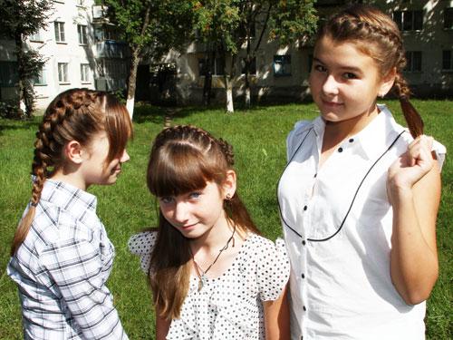 Причёски на короткие волосы в школу своими
