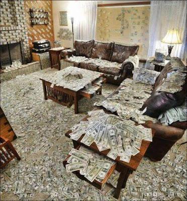Casa llena de dolares