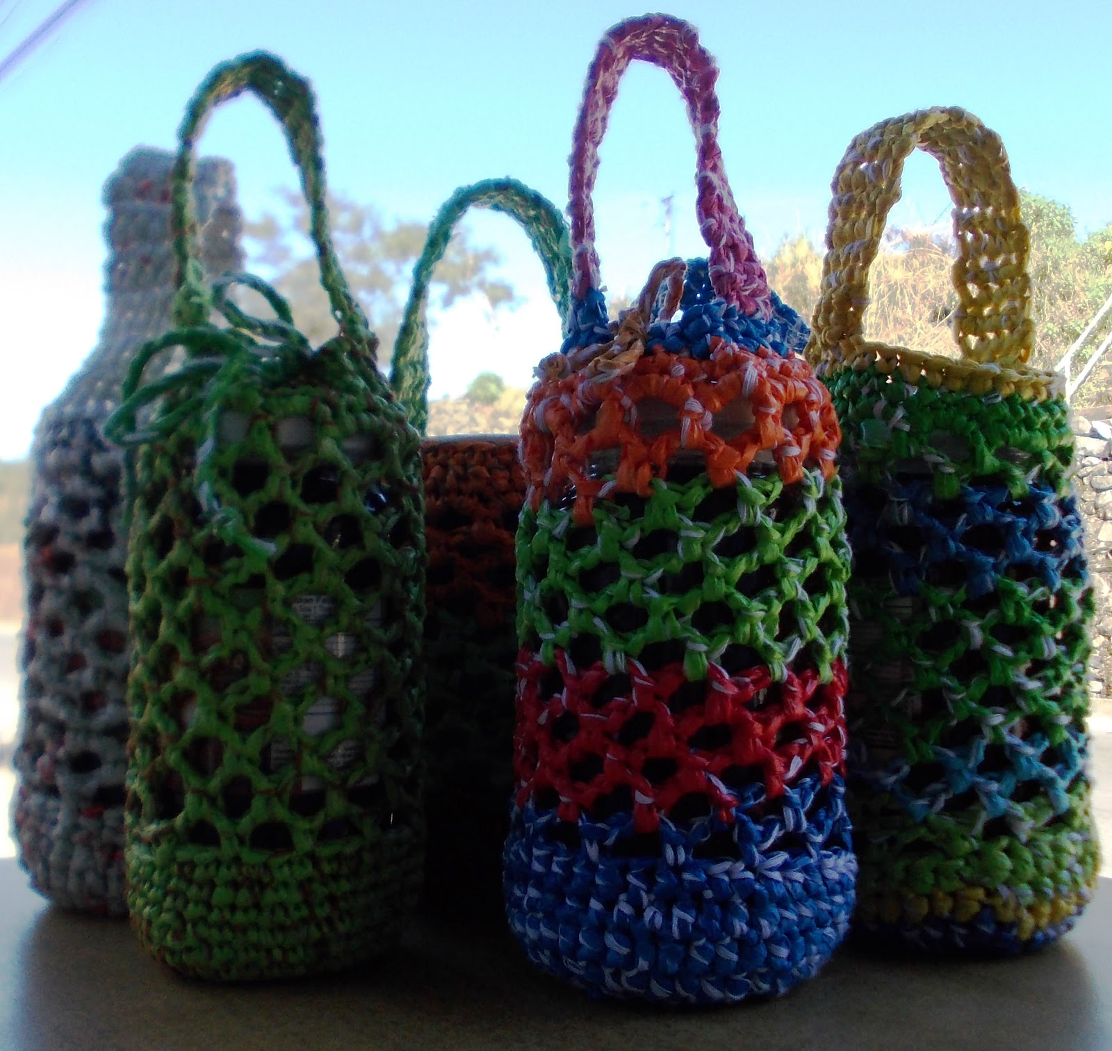 Crochet Pattern For Bags Plastic : Bboss Kikay Shop: Bottle Bags - Crocheted from Plastic ...