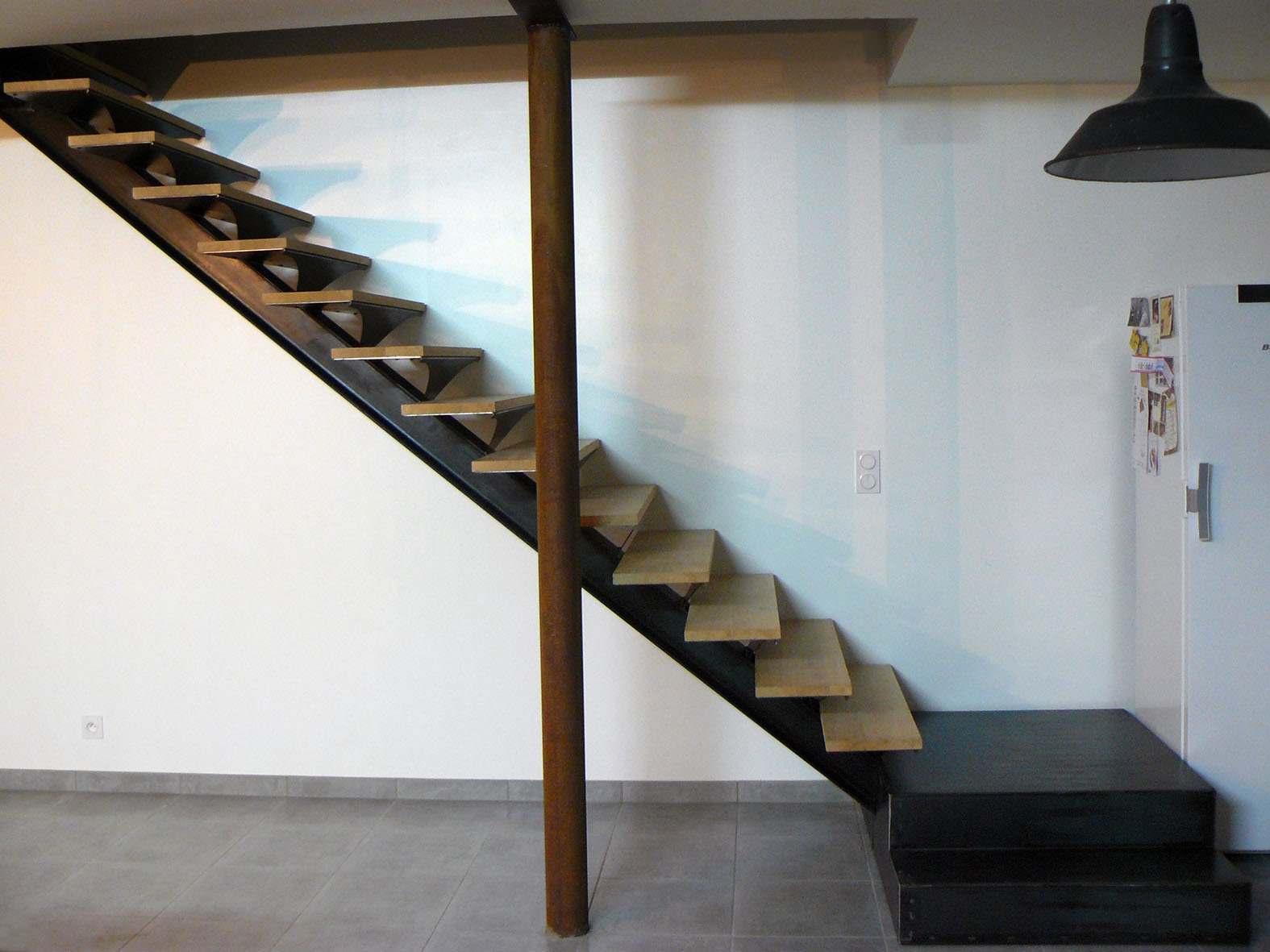 ferronnerie m tallerie serrurerie 79 deux s vres l 39 art du fer play escalier 1 4 tournant en. Black Bedroom Furniture Sets. Home Design Ideas