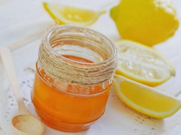 Điều trị nám da mặt bằng nước chanh và mật ong