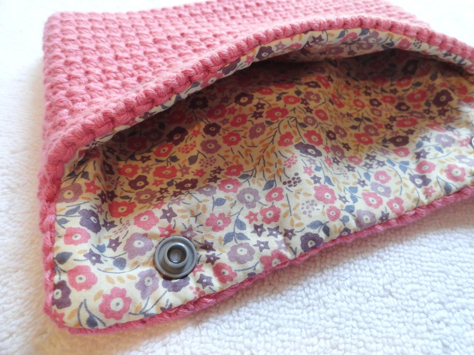 libertylle pochette crochet et liberty tuto inside. Black Bedroom Furniture Sets. Home Design Ideas