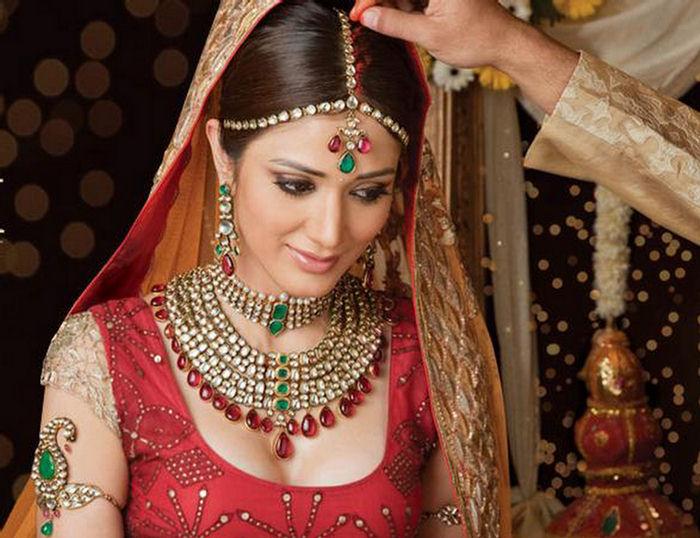 indian bridal makeup tutorial. arabic wedding makeup. arabic