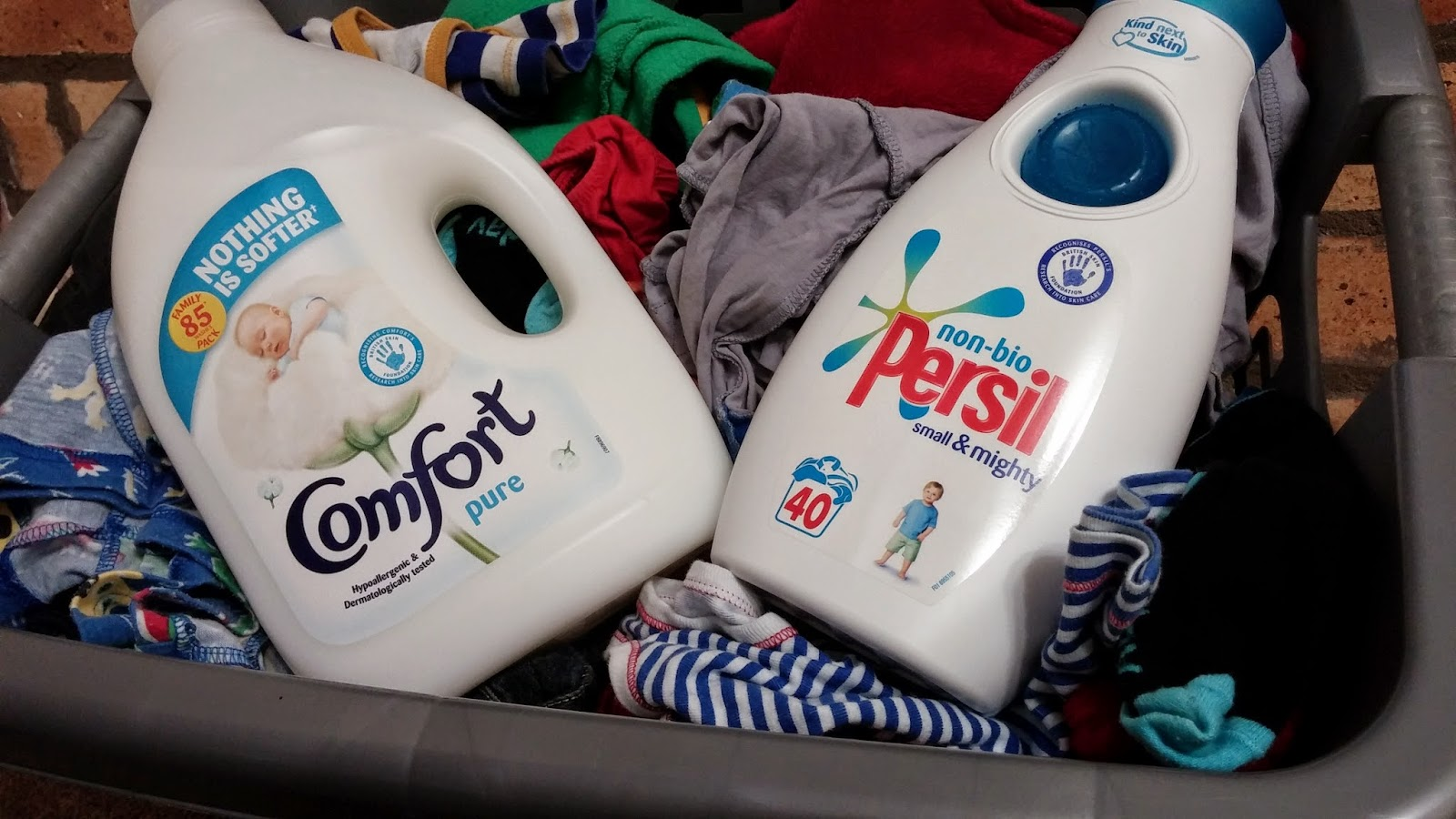 washing baby clothes, sensitive skin, fabric conditioner, #cbias, #shop, #Mums4Tommys