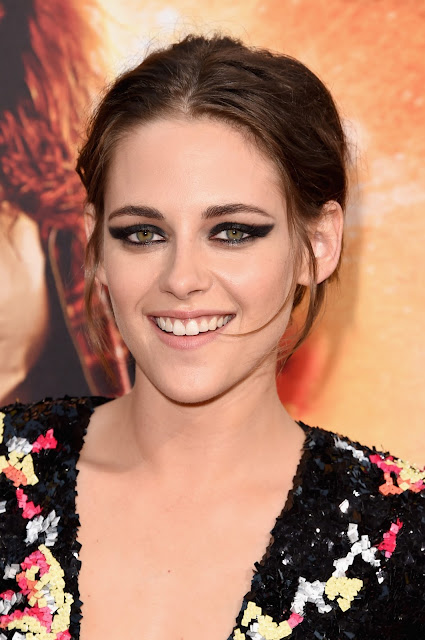 "Actress @ Kristen Stewart - American Ultra premiere in Los Angeles     <a href=""https://en.wikipedia.org/wiki/Kristen_Stewart"" target=""_blank"" title=""Wikipedia "">(Wikipedia)</a>"