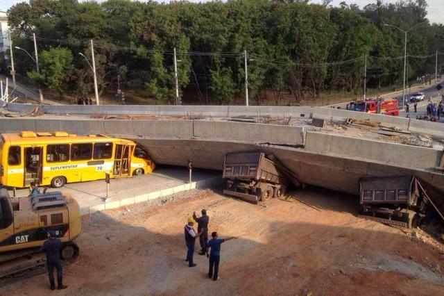 http://zh.clicrbs.com.br/rs/noticias/noticia/2014/07/desabamento-de-viaduto-deixa-dois-mortos-e-15-feridos-em-minas-gerais-4542568.html