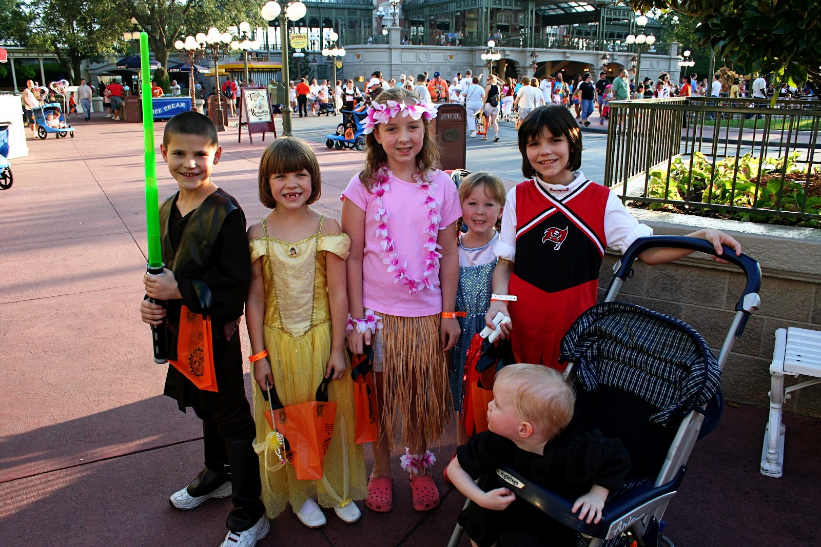 Keys to the Magic Travel: Mickey's Not So Scary Halloween Party
