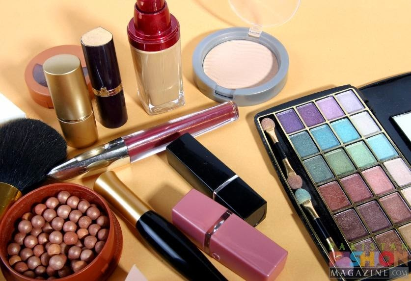 19 Things You Should Never, Ever Throw In the Trash!! - Cosmetics