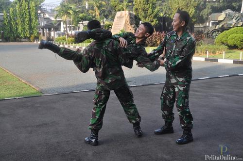 Prajurit Kostrad Latihan Bela Diri Yong moodo.