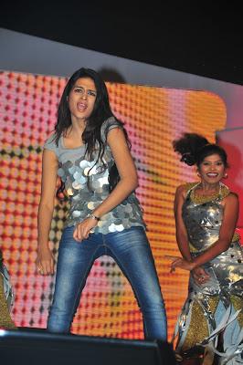 Sraddha Das Sizzles at Big FM Telugu Movie Awards 2011