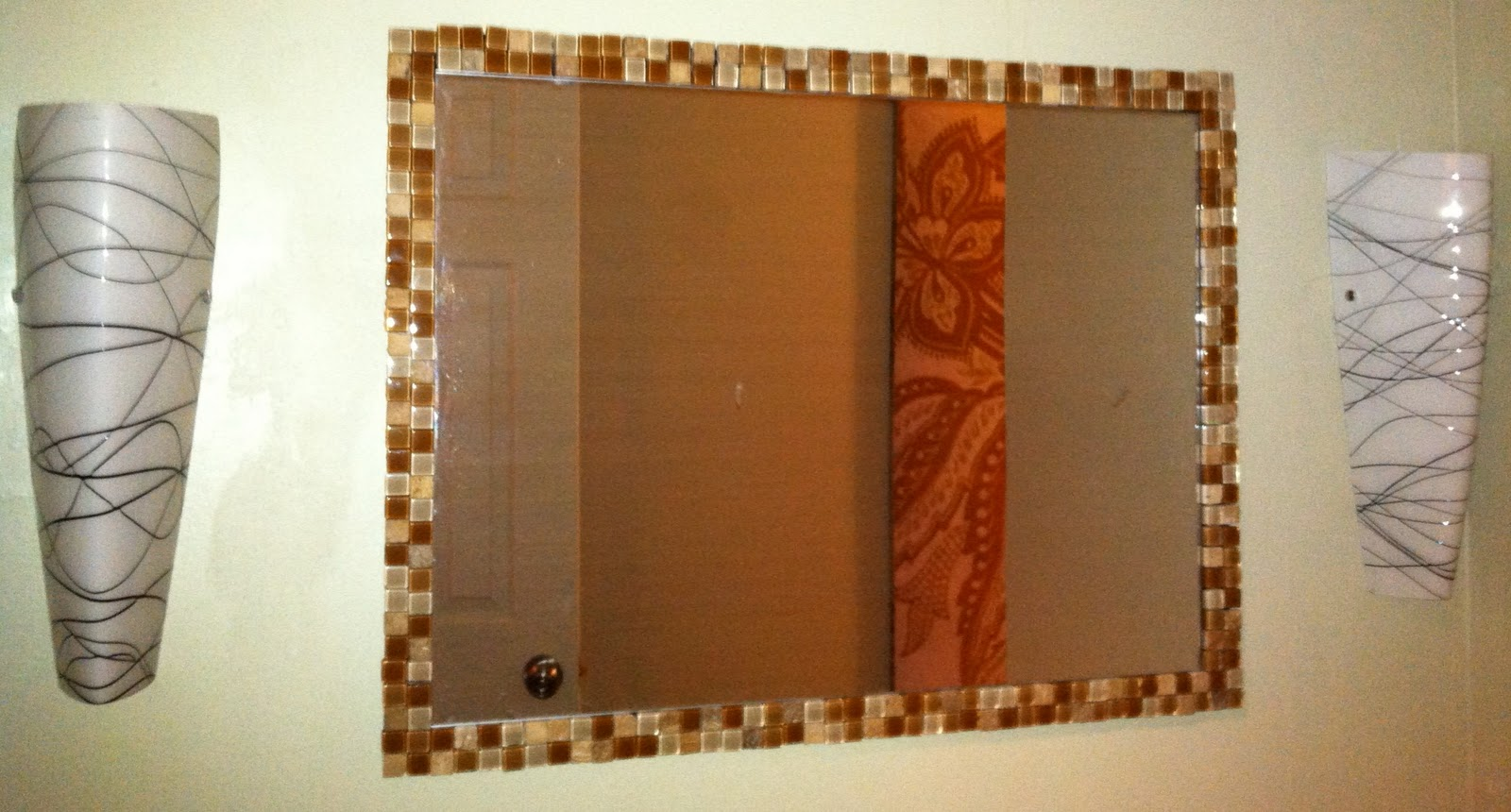 Simple  Mosaic Mirror Frame With Metal Inlay Mediterraneanbathroommirrors