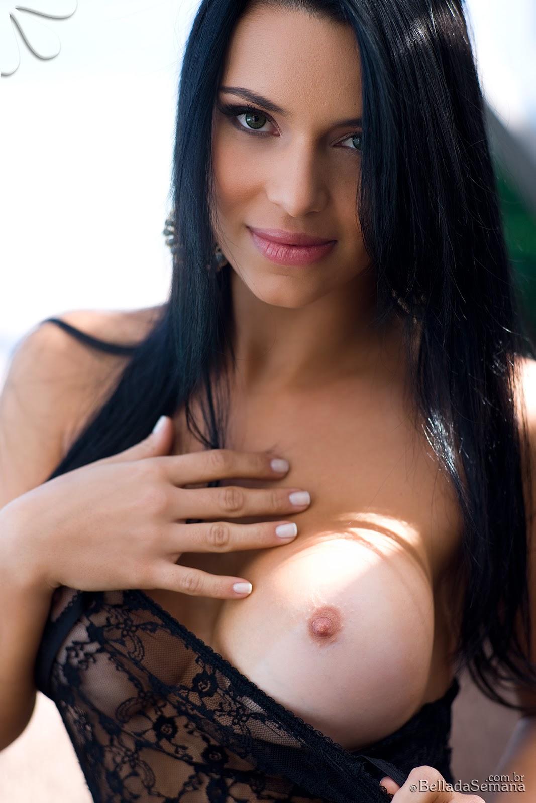 Thays Leao Nude