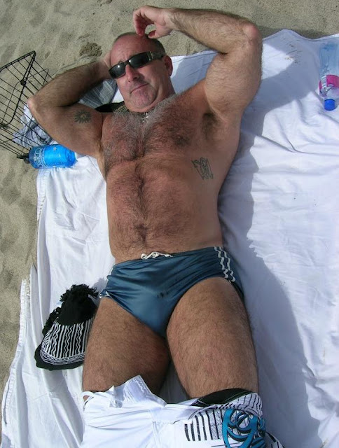 mature gay bears - very hairy mascule dad - bears gay
