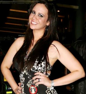 Lucía Oxenford con cabello suelto y largo