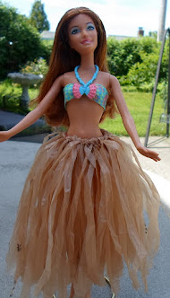 recycled bag hula skirt for barbie